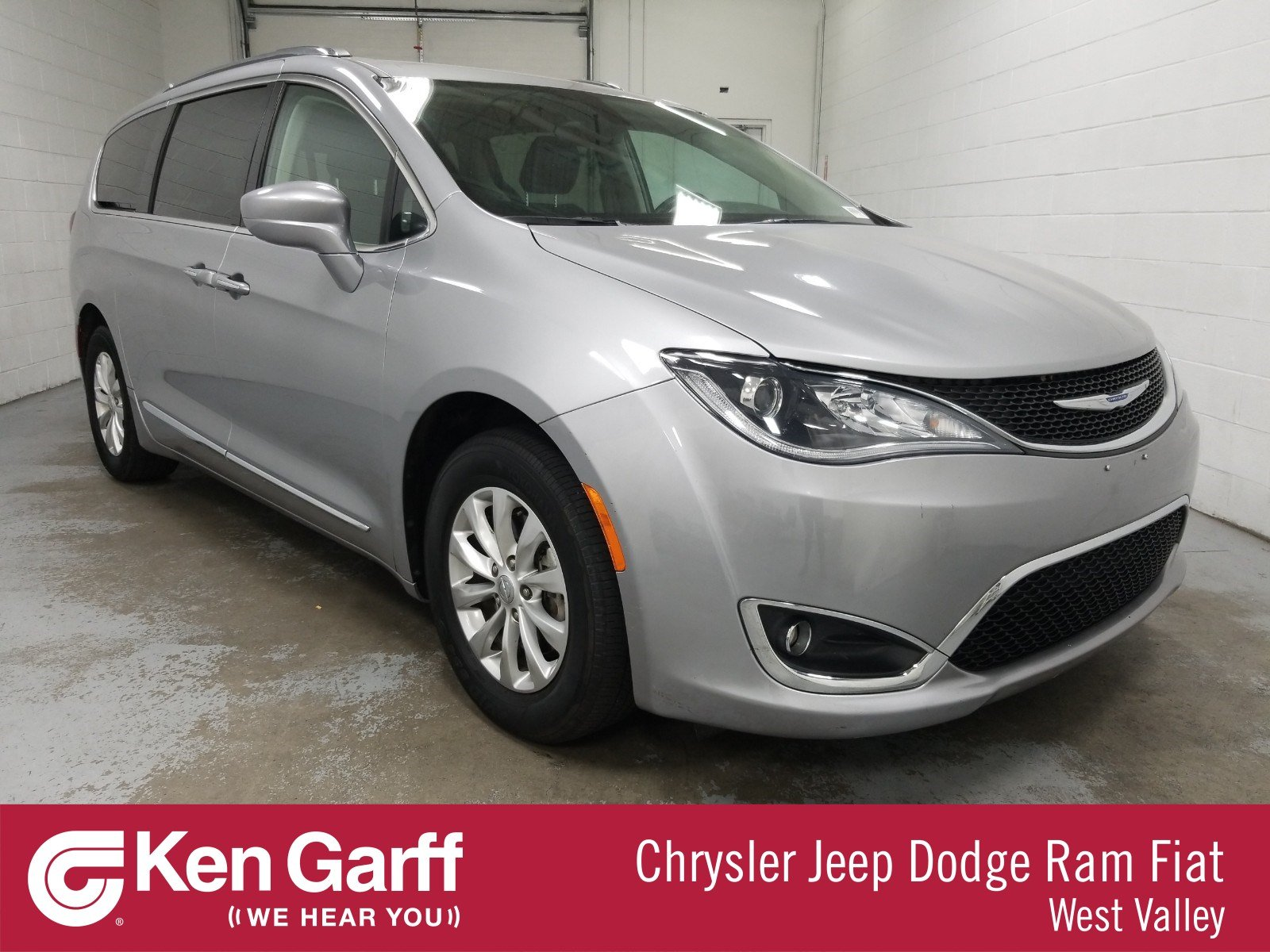 Ken Garff Used >> Certified Pre Owned 2018 Chrysler Pacifica Touring L Fwd Mini Van Passenger