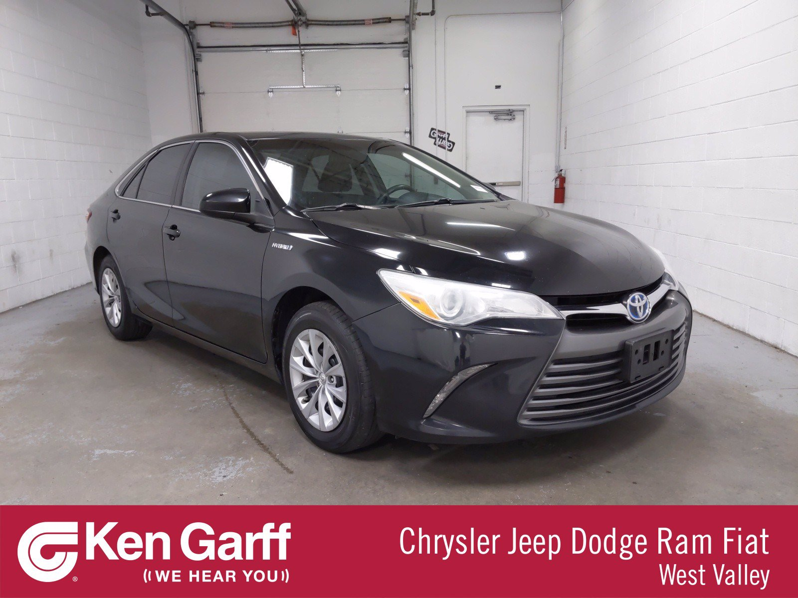 Pre-Owned 2015 Toyota Camry Hybrid LE