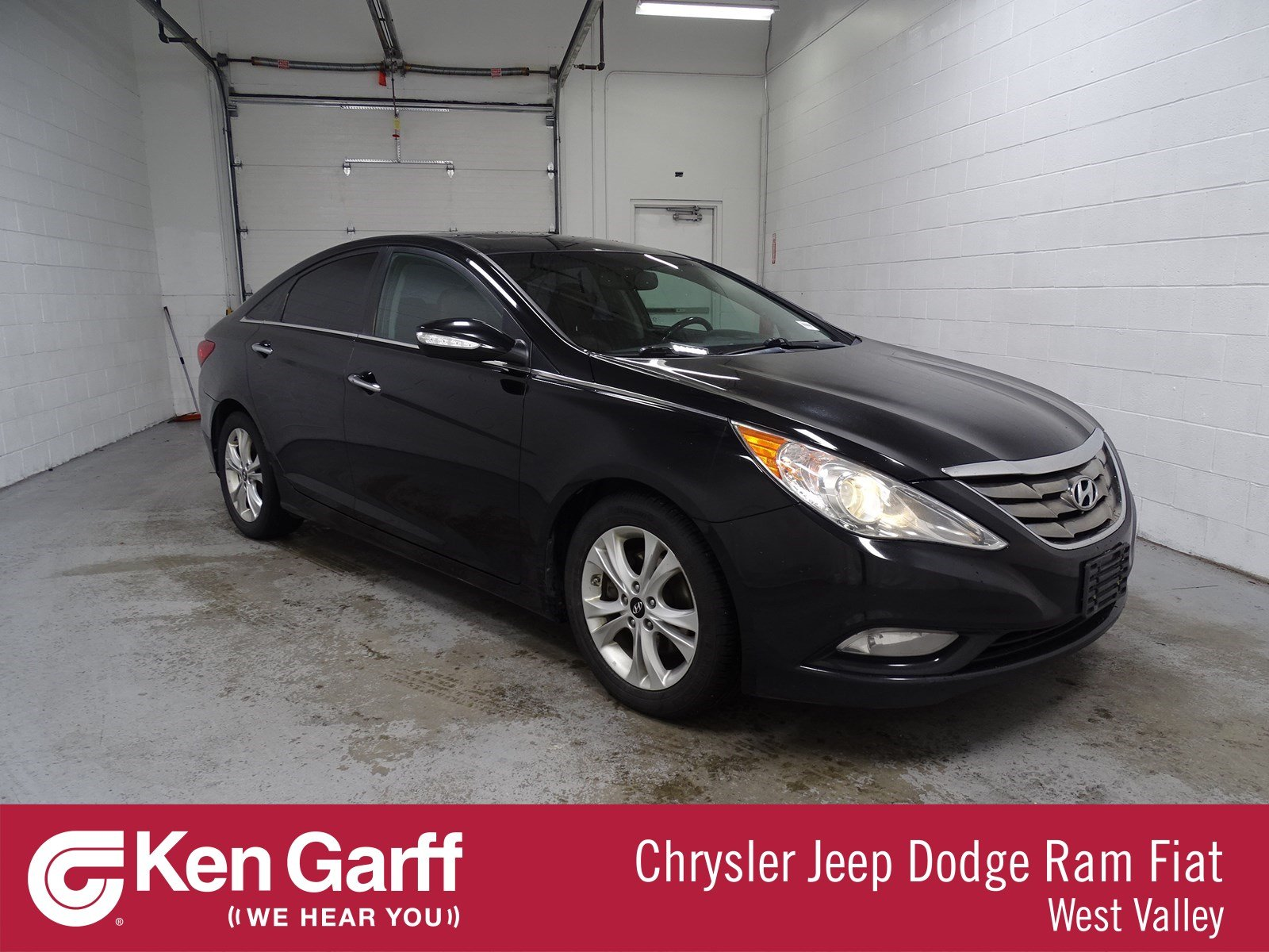 Pre-Owned 2011 Hyundai Sonata Ltd w/Wine Int