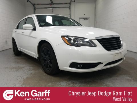 Certified Pre-Owned 2014 Chrysler 200 Touring